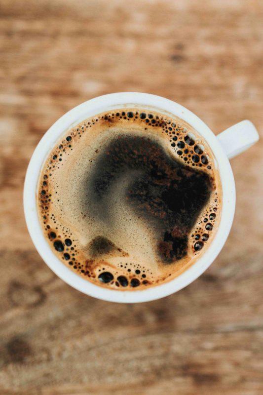 ¿Cuánto café puedo tomar para poder dormir bien?